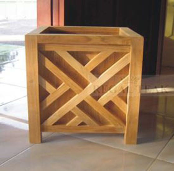 Picture of Teak Planter Chippendale 20.5in sq